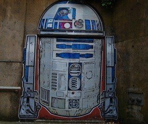 R2-D2 Graffiti Doorway is the Perfect Entrance for a Secret Droid Workshop