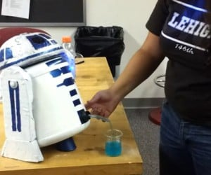 R2-D2 Beverage Dispenser Serves the Drinks You Are Looking for