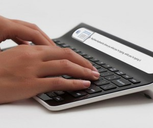 Smartype Keyboard Includes Display to Help You Touch Type