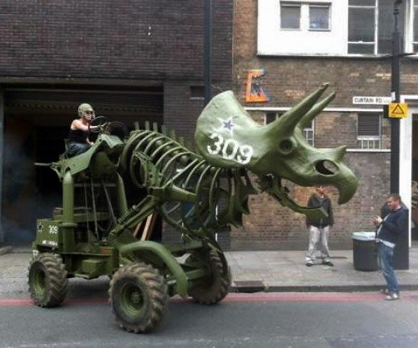 Triceratops Tractor Looks Awesome, Runs on Fossil Fuel