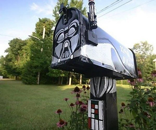 Darth Vader Mailbox Finds It's Lack of Junk Mail Disturbing
