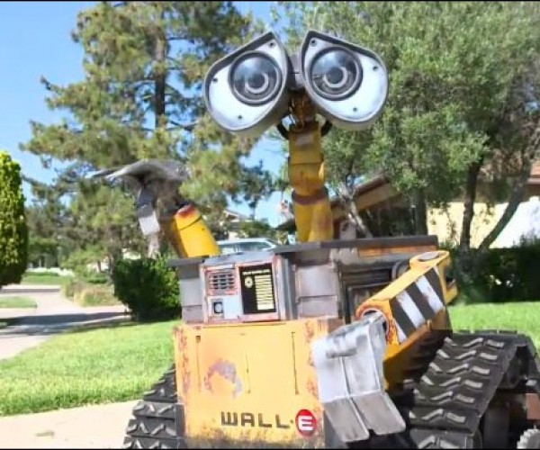 Guy Creates Working Wall-E Replica