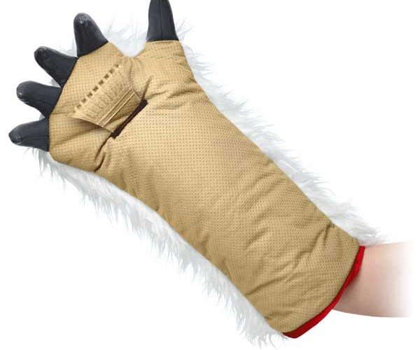 Severed Wampa Arm Keeps the Ice off Your Windshield This Winter