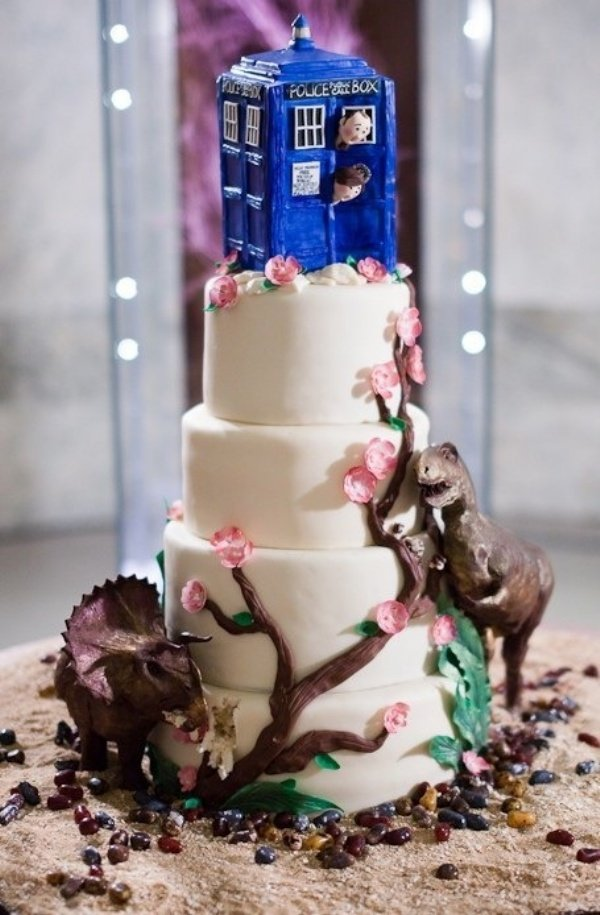 TARDIS Wedding Cake