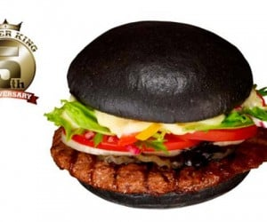 Burger King Japan's Kuro Burger Looks Like They Burned the Bun