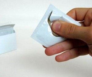 Condom Wrapper Can Be Opened One-handed