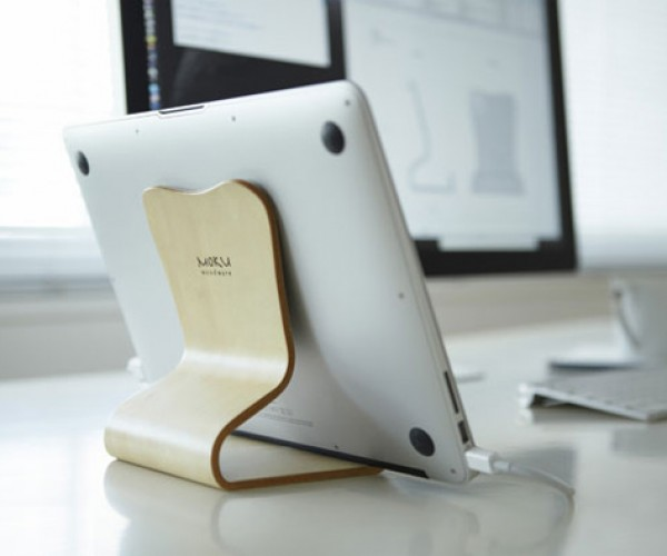 Moku Woodware's Desktop Chair: Seat Your MacBook or iPad with Style