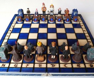 Handmade Doctor Who Chess Set: Weeping Angel Jumps TARDIS