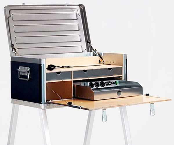 KANZ Field Power Desk Helps You Live and Work Well off the Grid