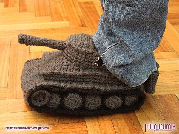 Knitting Pattern For Army Tank Slippers : Panzer Tank Knit Slippers Battle Cold Toes - Technabob