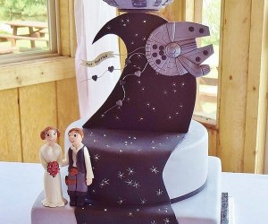 The Force Is Strong in This Star Wars Wedding Cake