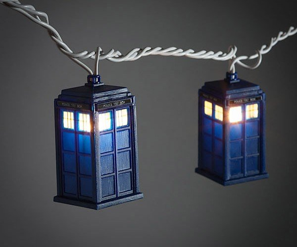 TARDIS String Lights: I Know What's Going on My Christmas Tree This Year