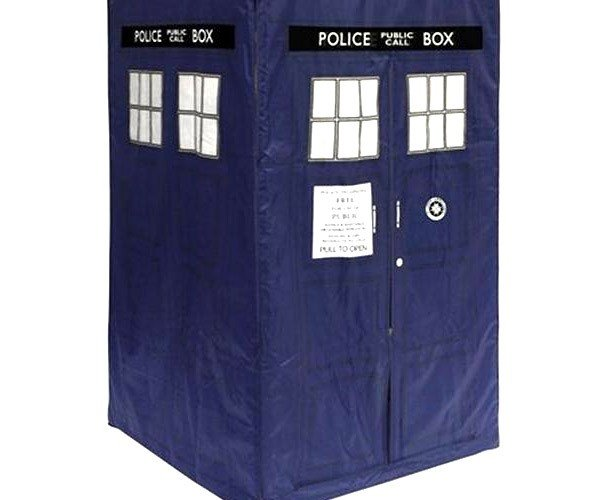 TARDIS Tent Looks Perfect for Stand-up Sleepers