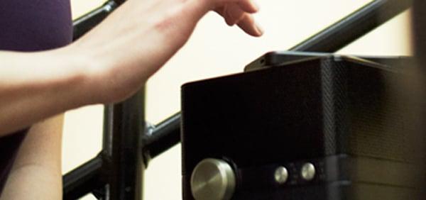 tdk charging speaker qi-compatible wireless bluetooth