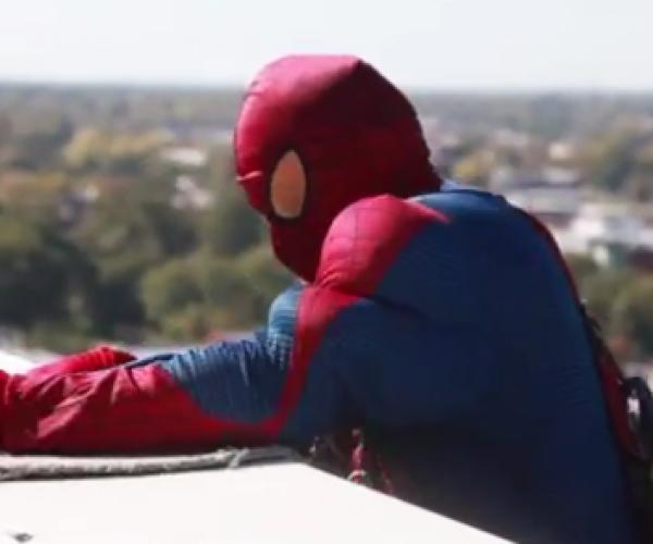 Superhero Window Washers Surprise Sick Kids With Cleaner Windows