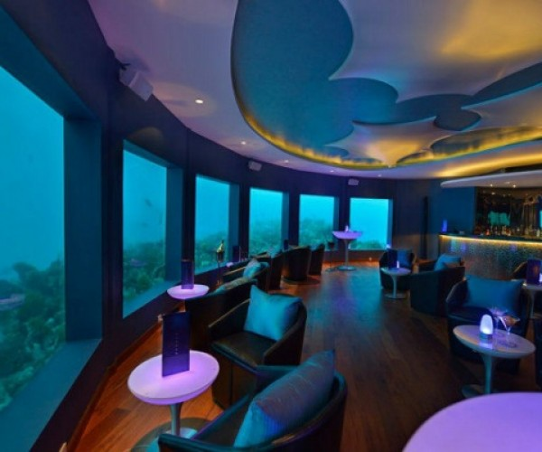 Underwater Bar Lets You Get Tipsy With Mermaids