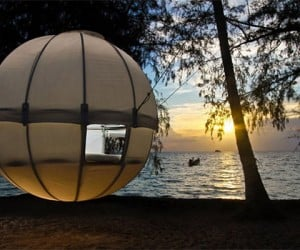 Cocoon Tree Tent Looks Like a Ball