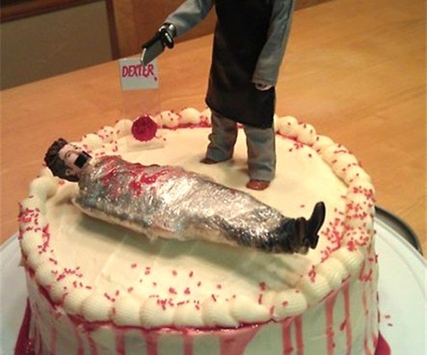 Slice up this Dexter Cake Before Dexter Slices up Another Victim