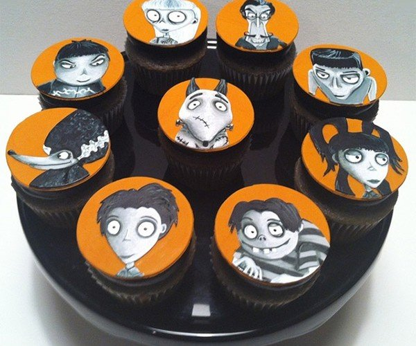 Amazing Frankenweenie Cupcakes Look Like Tim Burton Could Have Baked Them