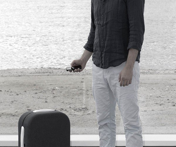 Suitcase That Automatically Follows Owner: Loyal Luggage