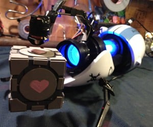 Portal Gun Turned into Gravity Gun: Levitates Companion Cube