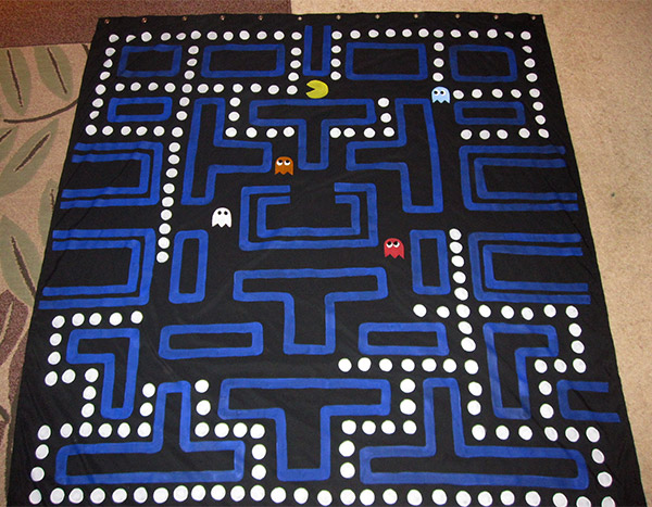 pac_man_shower_curtain_2