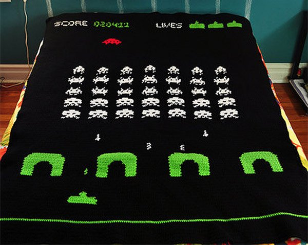space invaders blanket