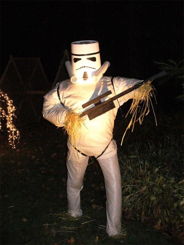 straw_stormtrooper