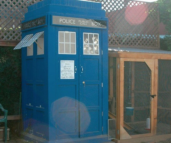 TARDIS Chicken Coop Has Jumbo Eggs on the Inside