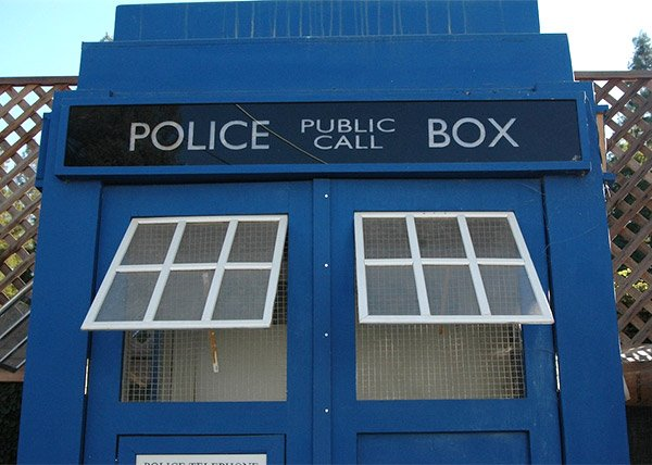 tardis chicken coop 2