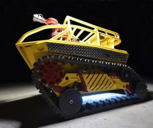 Thermite Firefighting Robot Puts out Flames (and Looks Awesome Doing it)