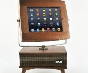 V-luxe iPad Stand Turns Modern Tablet into Retro TV Set