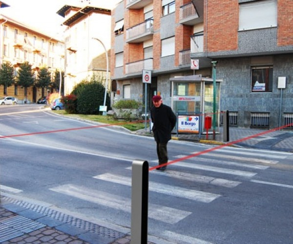 Guardian Concept Uses Lasers to Tell Pedestrians When to Cross