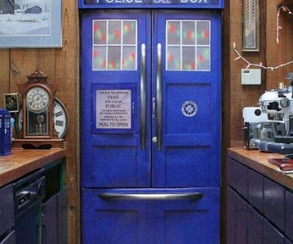 TARDIS Refrigerator Has an Unlimited Capacity