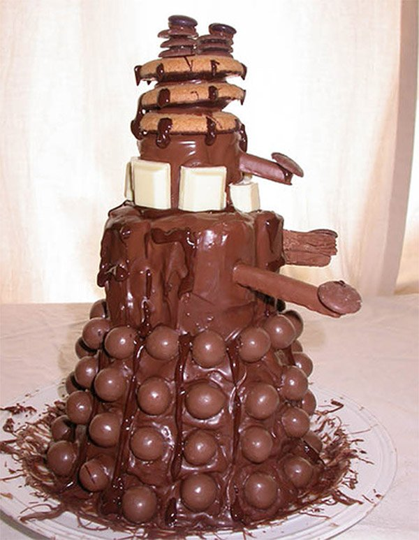 Exterminate Your Chocolate Craving With This Insane Looking Dalek Cake Its Loaded Marshmallows And Cookies Enough To Warrant