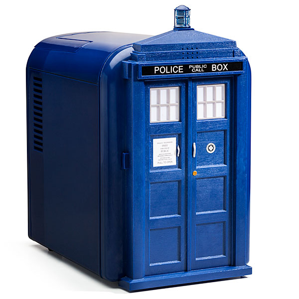 doctor who tardis mini fridge from thinkgeek