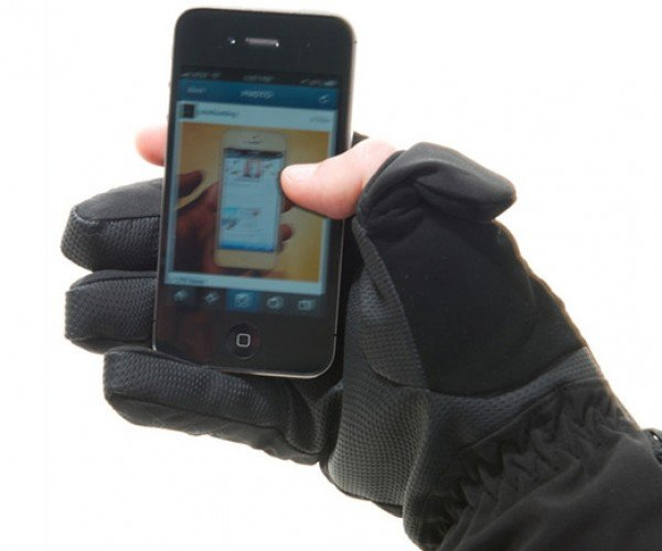 Freehands Soft Shell Skiglove: Don't Let the Cold Dissuade You from Texting