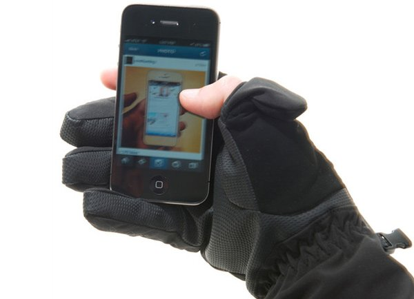 freehands iphone glove smartphone ski snowboard winter