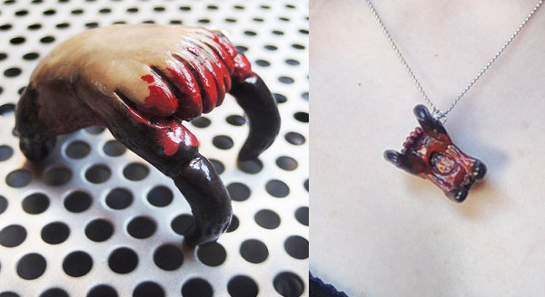 headcrab necklace 2