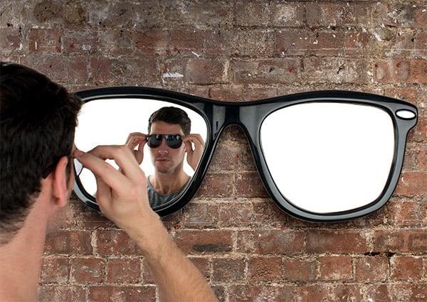 looking_good_mirror_1