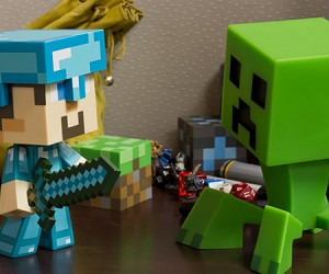 minecraft steve vinyl action figures 9 300x250