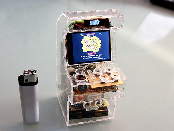 raspberry pi micro arcade machine by Jeroen Domburg