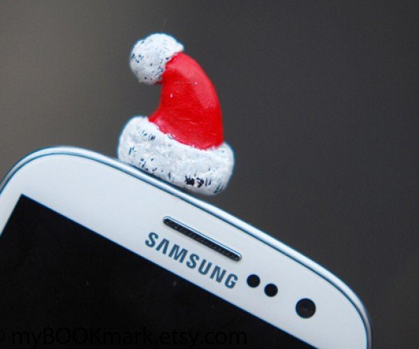 santa hat 3.5mm earphone jack dust plug by mybookmark