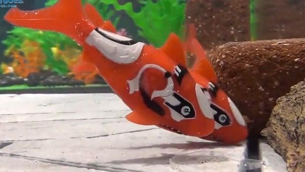 takara tomy robo fish