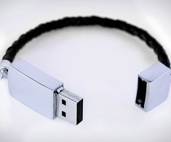 USB Bracelet: Never Lose a Flash Drive Again