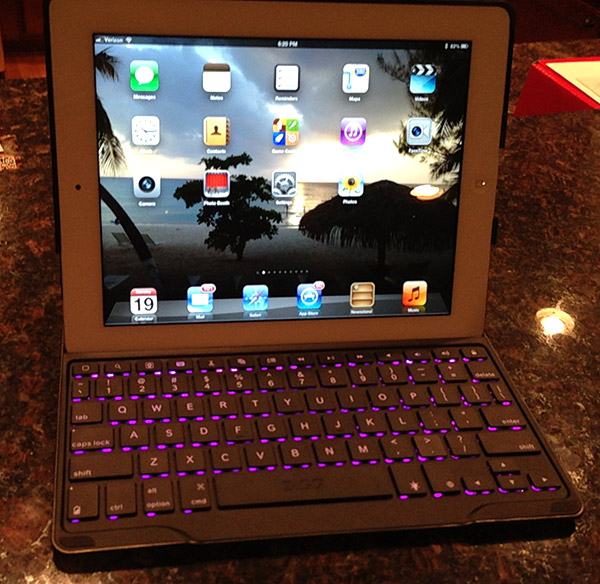 zagg profolio plus keyboard 1