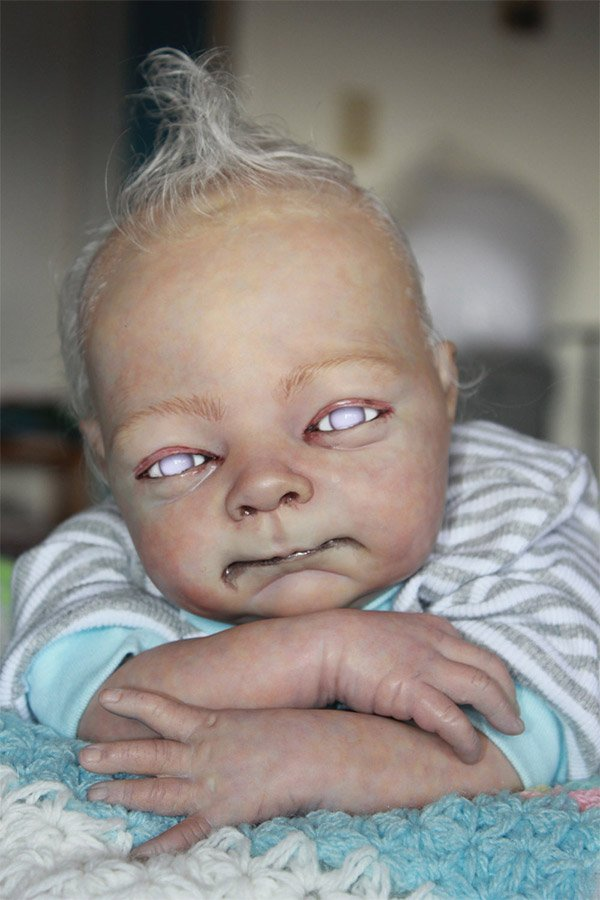 Pictures   - Page 2 Zombie_baby