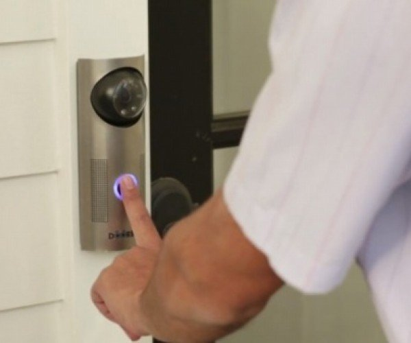 DoorBot Lets You Remotely Answer the Door with Your Smartphone