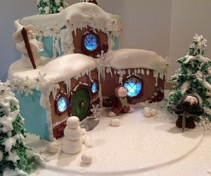 Hobbit White Christmas Cake: It's Snowing in Hobbiton