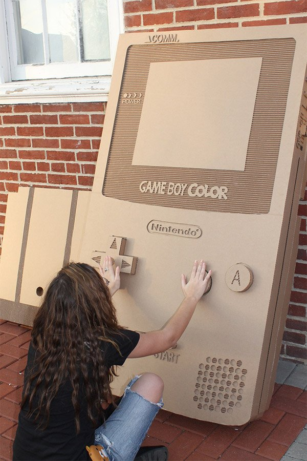 giant_cardboard_game_boy